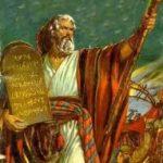 Moisés, el faraón y el dios ineficiente y presumido